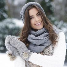 Noszenie soczewek kontaktowych zimą – o czym trzeba pamiętać?